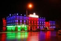 Наружное освещение: архитектурное освещение зданий, фасадов дома в Энгельсе